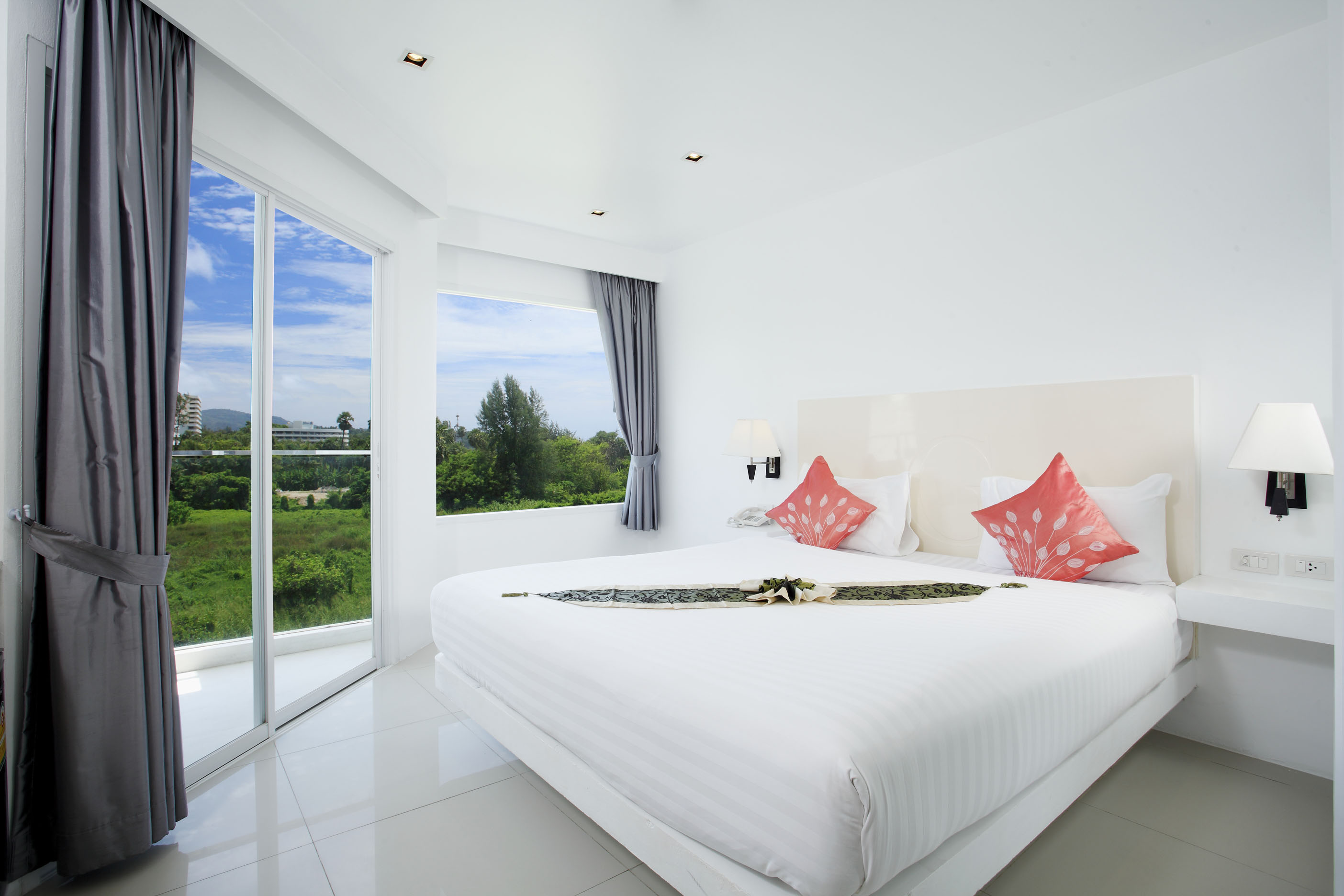 Grand Sunset Hotel, An Affordable stay right in front of Karon Beach